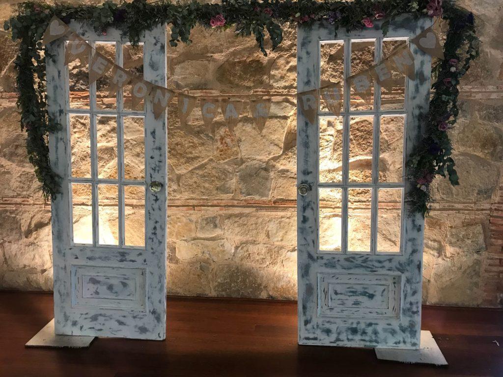 photocall de bodas puertas