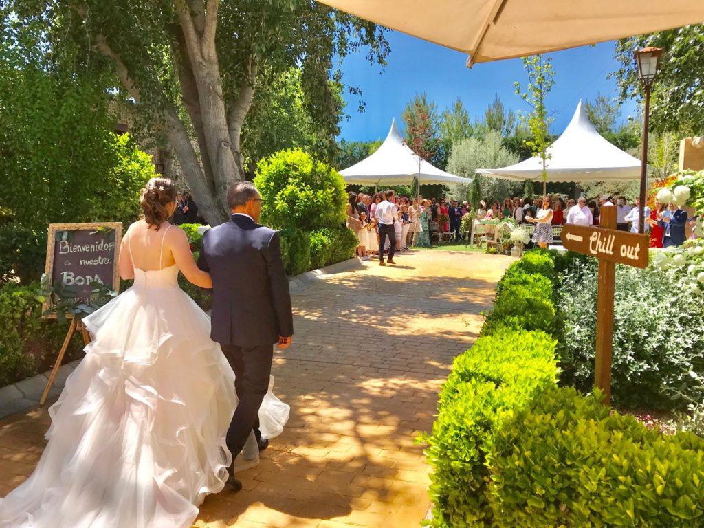 boda plena de primavera novios